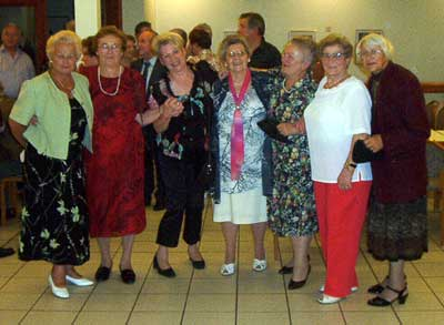 eine fröhliche Frauengruppe