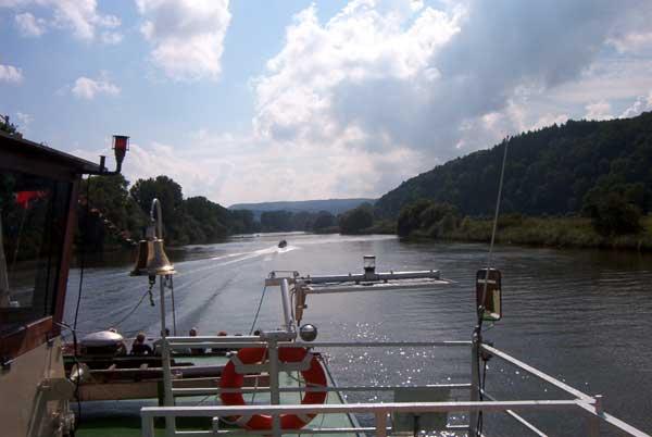Blick vom Ausflugsdampfer auf die Weser