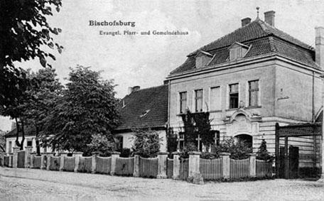 evangelisches Pfarrhaus mit Gemeindesaal